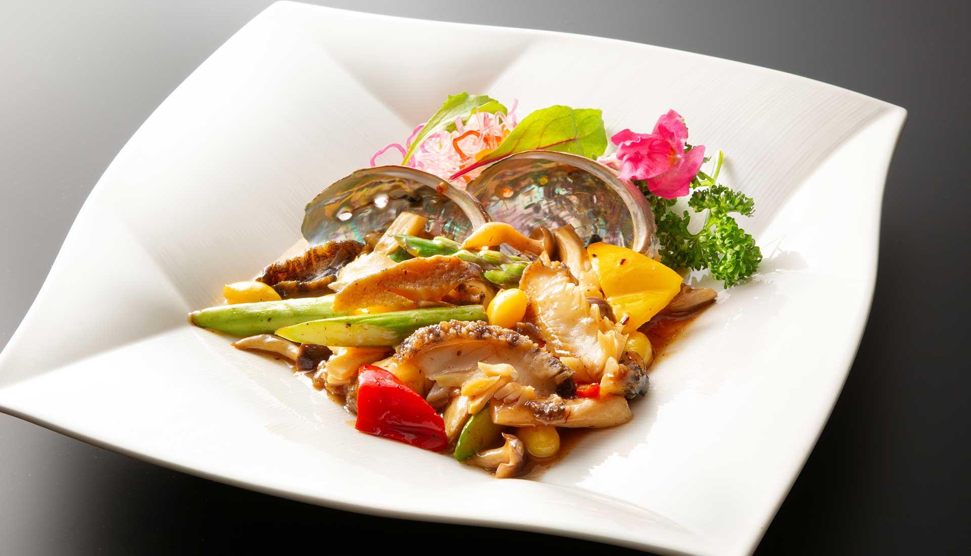 あわびと彩り野菜の炒め